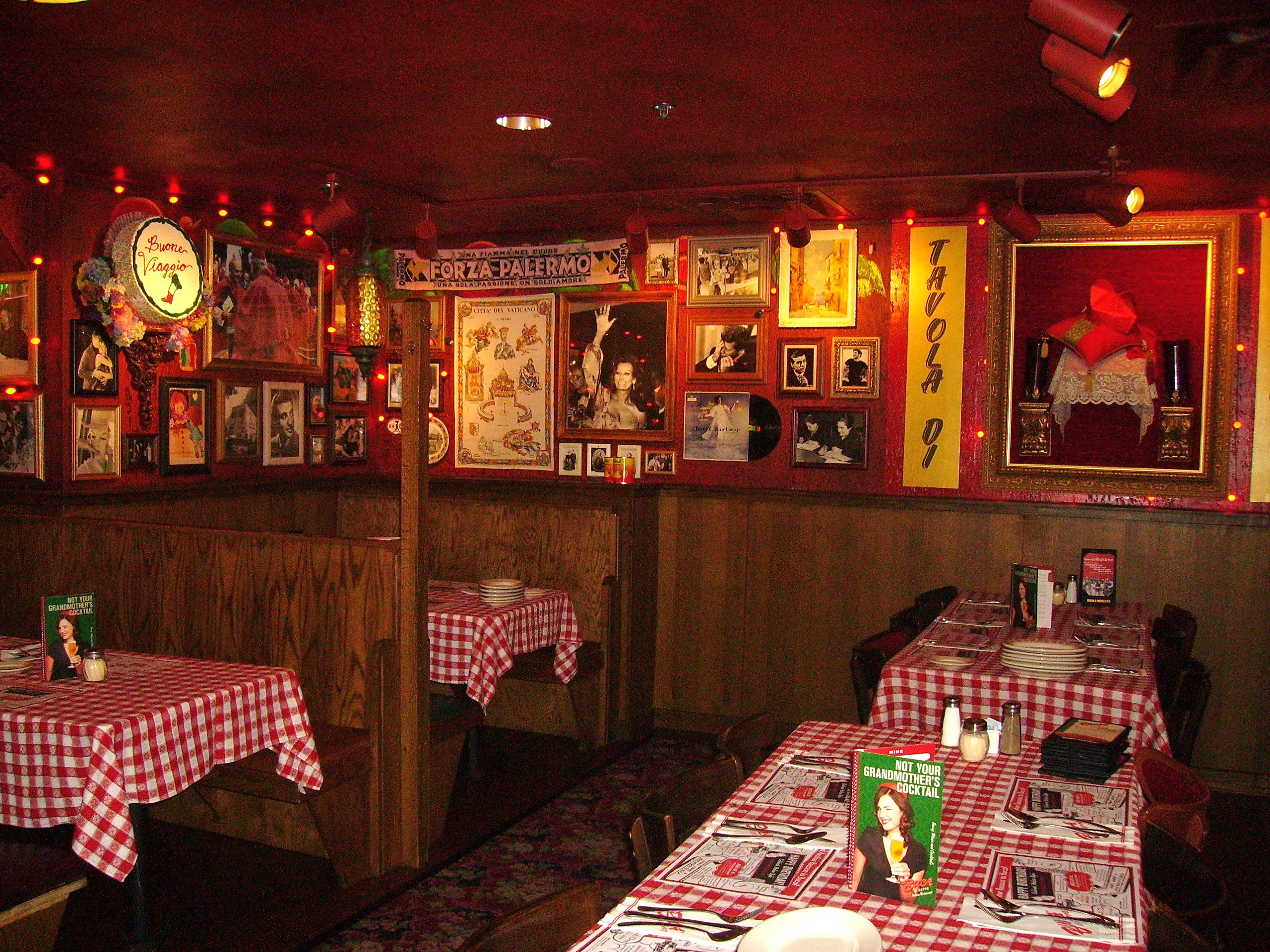 Red Carpet Concierge Of Chicago Buca Di Beppo Restaurant